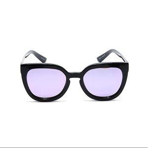 Quay Noosa Sunglasses In Grey Pink Mirrored Lense